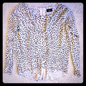 Woman's Small Vici Leopard Print Long-Sleeve Top